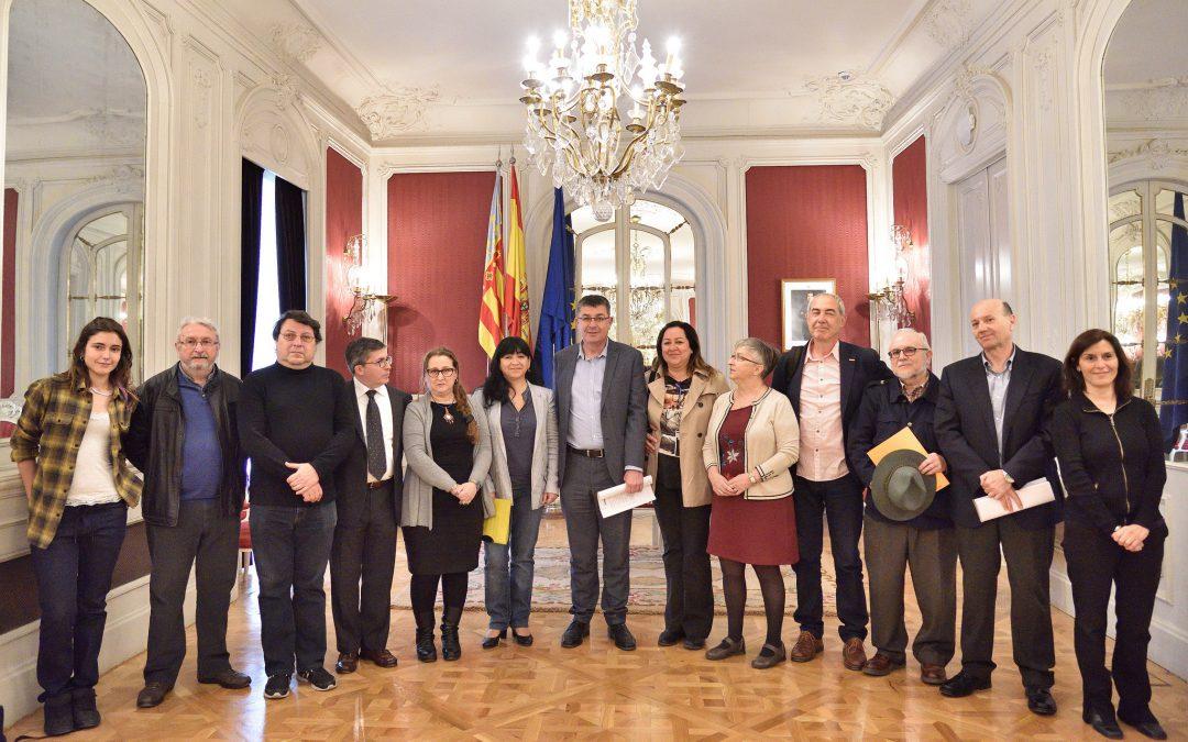 Presentada la Campanya Per una Justícia Fiscal en Les Corts Valencianes