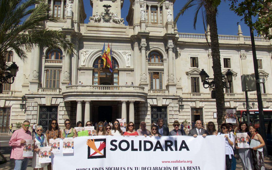 El Tercer Sector de lo Social ix a la Plaça de l'Ajuntament de València per a animar als valencians a marcar la XSolidaria