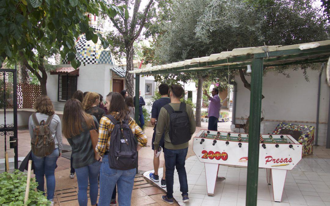 150 estudiantes de Castellón conocen cómo se aborda la inclusión social a través de visitas a programas y sedes de ONG